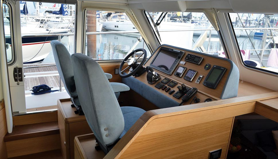 A comprehensively equipped helm station with sprung, adjustable KAB seats and easy access to the side deck